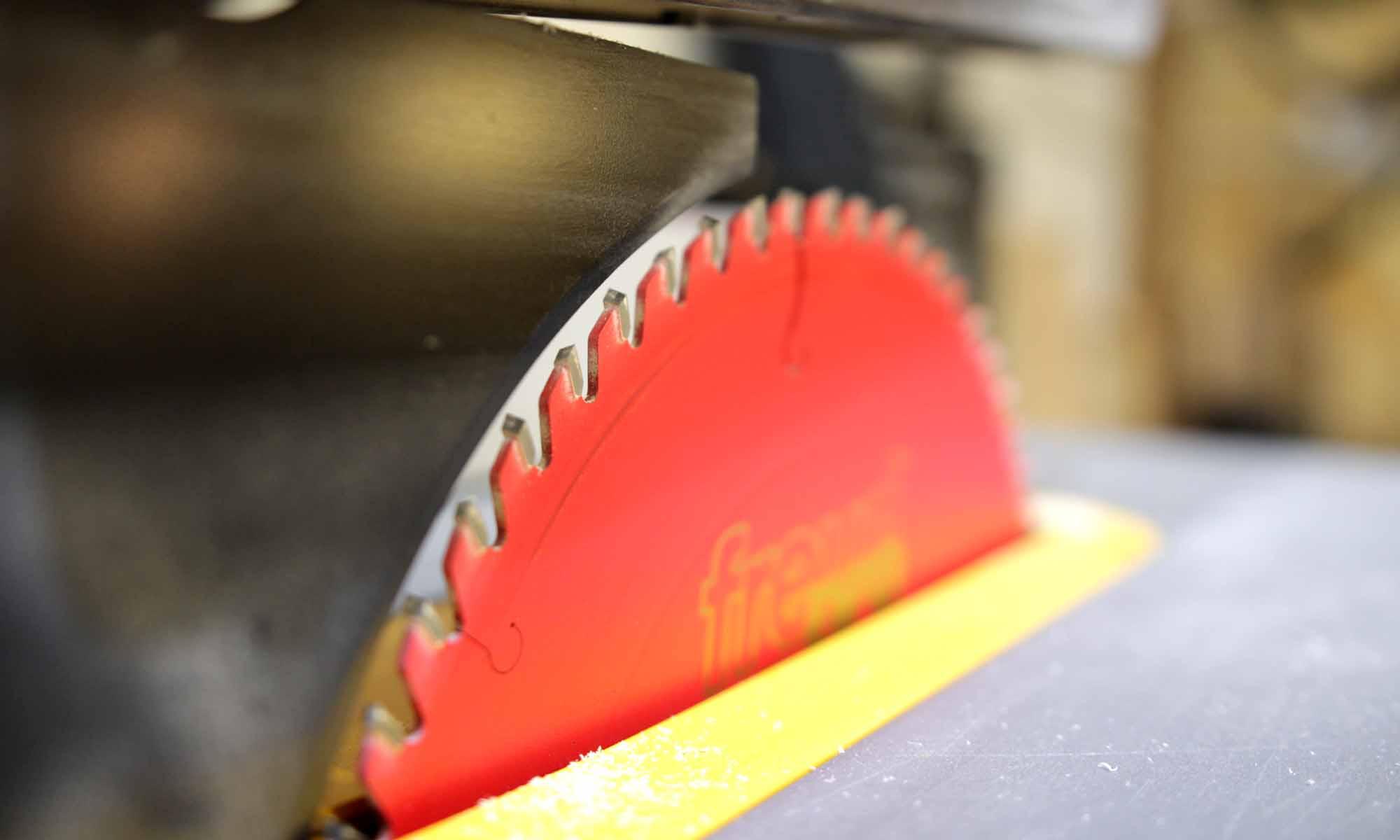 DeWalt DW745 Blade Change, Upgrade to Freud 60 Tooth - Gosforth Handyman