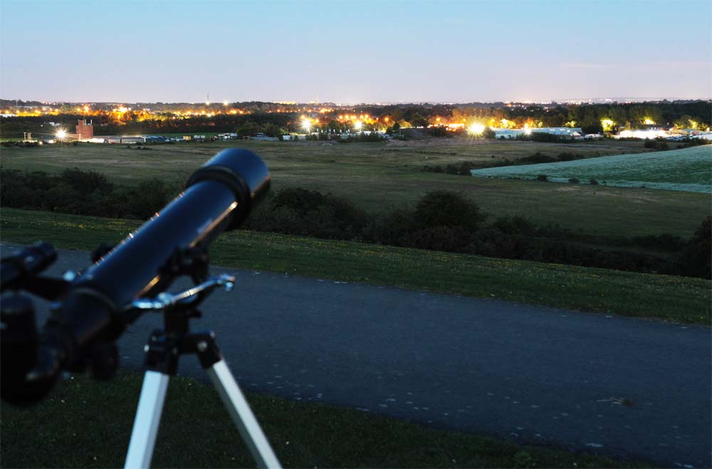 Telescope pointing to the horizon